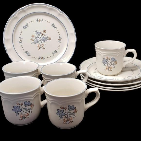 Vintage Other - Vintage Cordella Bluet Plates and Cups (10 pcs)